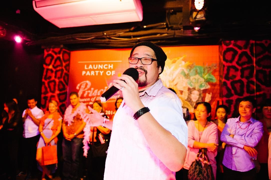 Jonathan Lim Sings for Guests at Launch Party of Priscilla Queen of the Desert