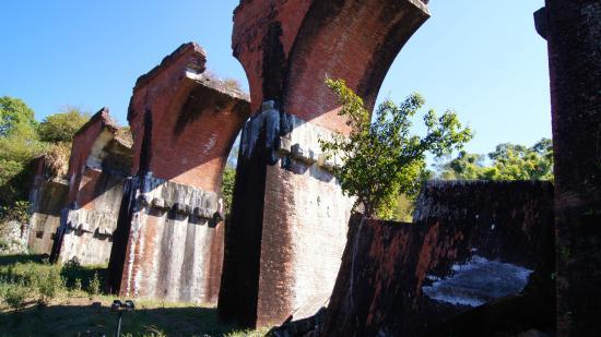 lonsheng-fallen-bridge